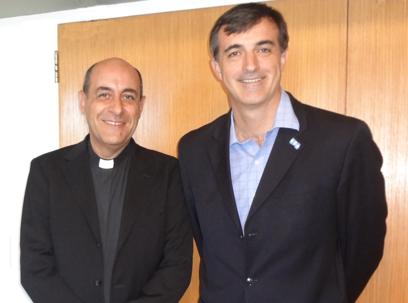 El ministro de educación visitó la UCA