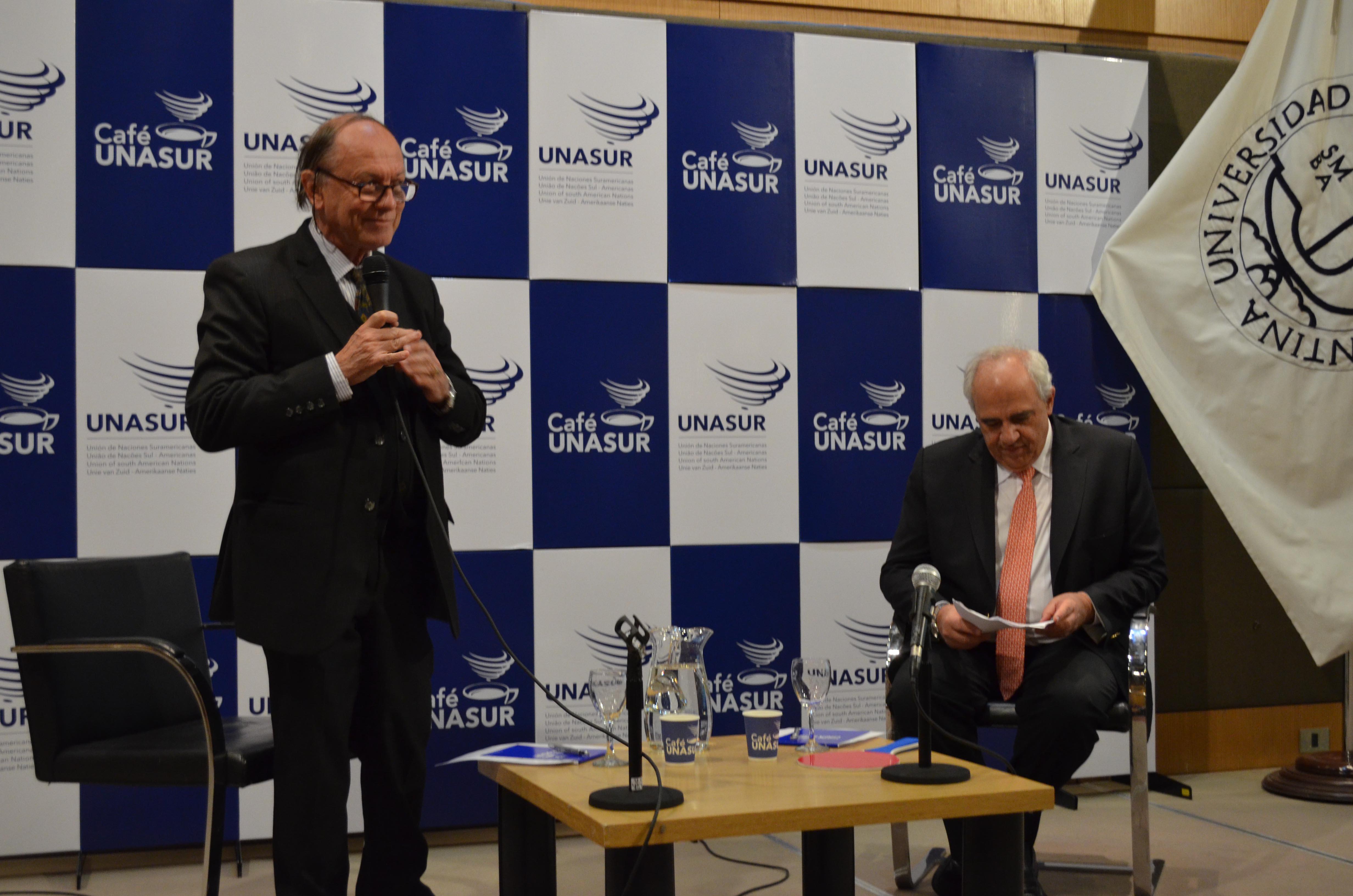 Se realizó el evento Cafe Unasur en la UCA