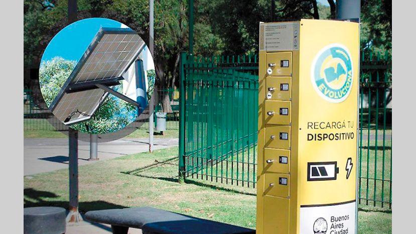 Llegaron los cargadores solares para celulares a 8 plazas de Buenos Aires