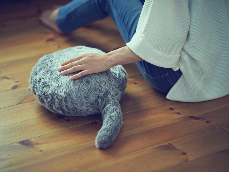 Qoobo: un robot terapéutico con forma de gato