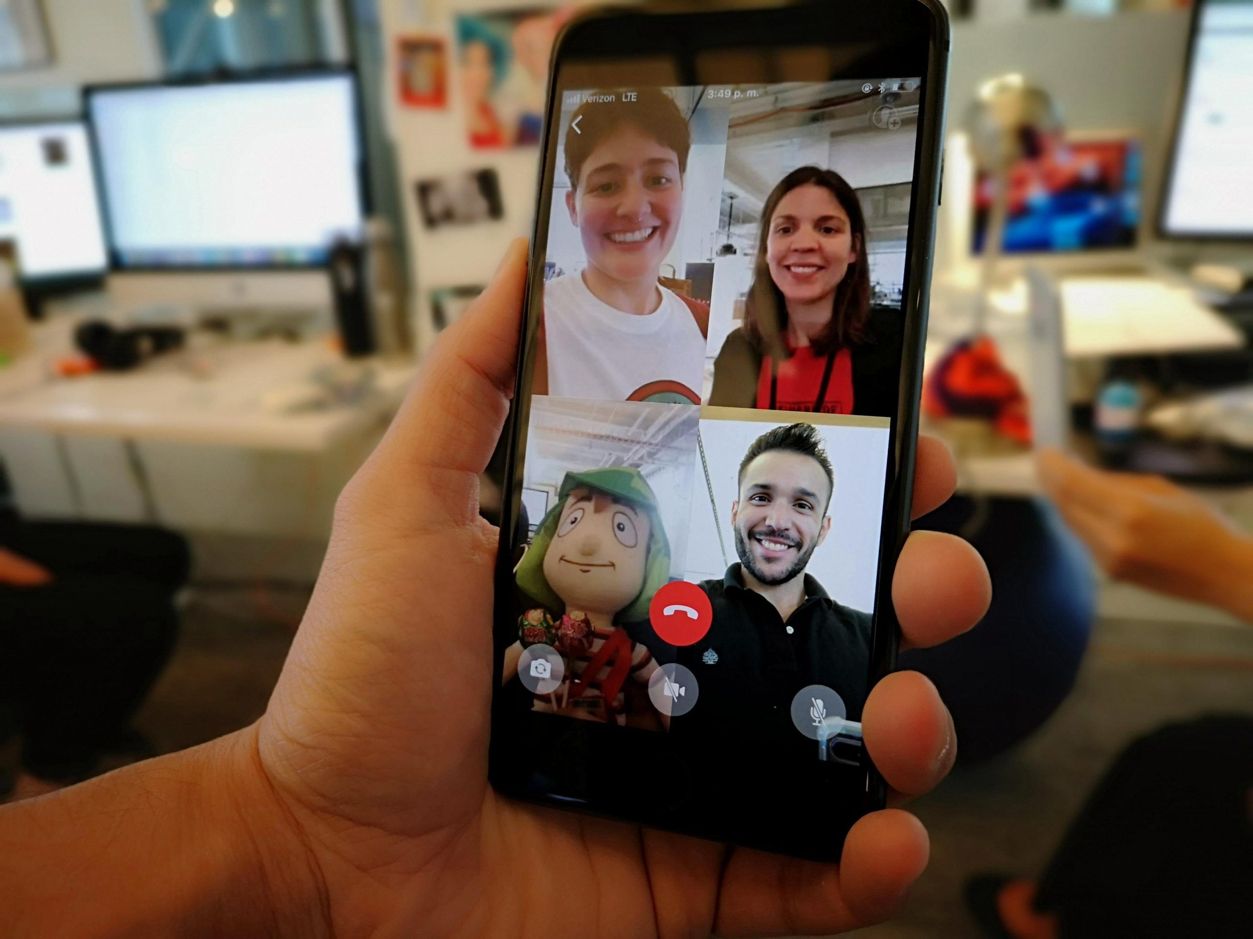Whatsapp aumentó las videollamadas a 8 participantes